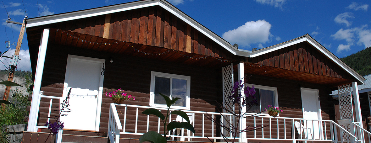 large-cabins_exterior-fireweed